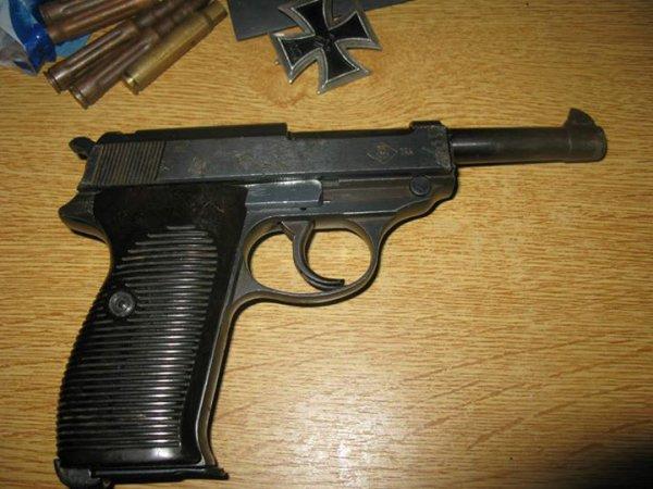 P38 Neutra ( Cannon bouché lèvres coupées )