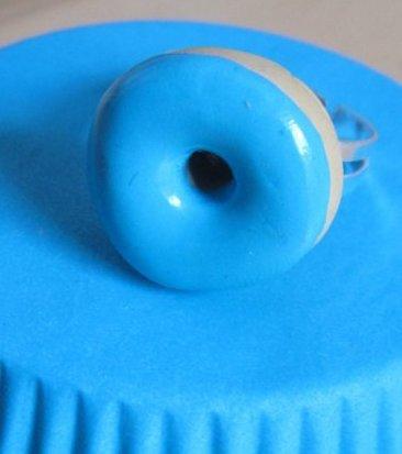 Bague donut bleu