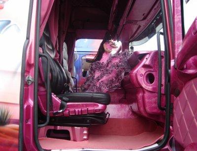 Interieur cabine camion forever - Decoration interieur camion ...