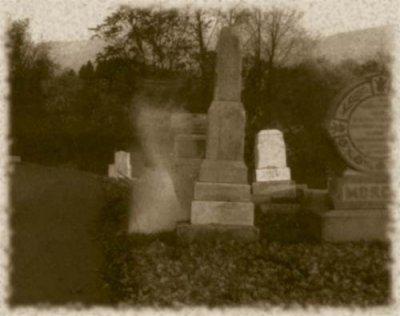 Fantome dans un cimetiere fantome spectre for Fantome dans un miroir