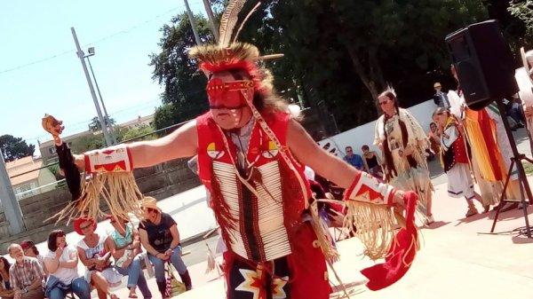 Animation amérindienne par le groupe MAKAH WACIPI au festival country en retz 2015 à ST VIAUD 2