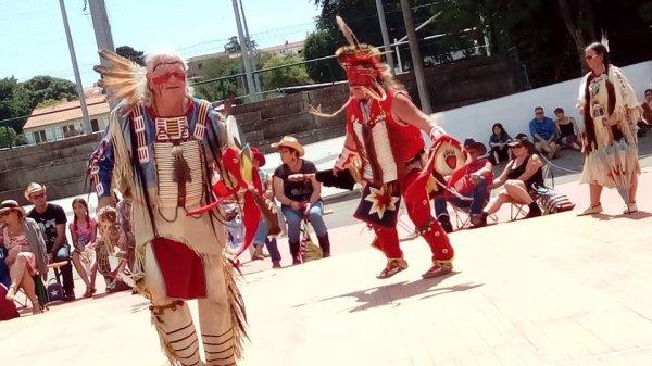 Animation amérindienne par le groupe MAKAH WACIPI au festival country en retz 2015 à ST VIAUD 3