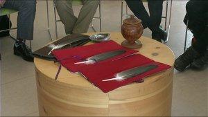 A LA COUR DE JUSTICE D'OTTAWA LES NATIFS PEUVENT JURER SUR LE PLUMES D'AIGLE