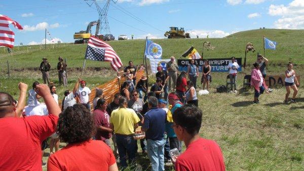 Les Sioux occupent une prairie du Dakota pour dénoncer un oléoduc