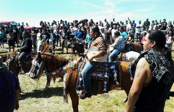 La plus grande manifestation de l'histoire des amérindiens est en train d'avoir lieu maintenant -