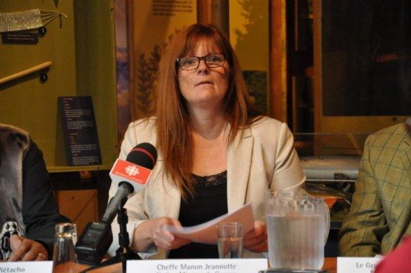 Fracturation : Les Mi'gmaq invitent Couillard et Trudeau à venir boire un verre d'eau