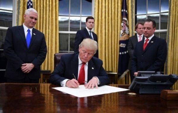 Jour 5 : Trump relance deux projets contestés d'oléoducs