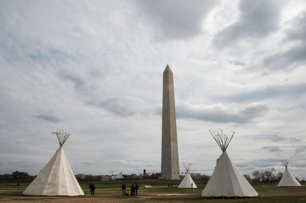 Standing Rock Contre le Dakota Access Pipeline,des tipis chez Trump