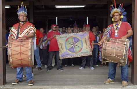 Outre-mer. Les Amérindiens de Guyane relèvent la tête