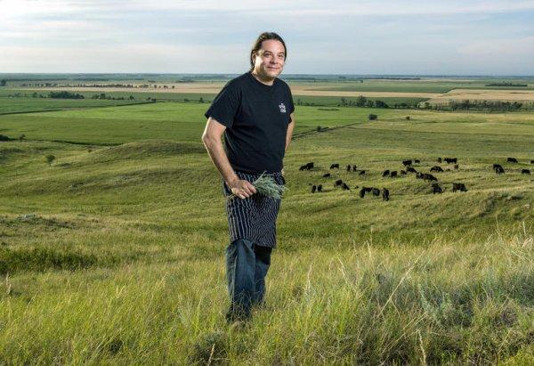 Le chef américain Sean Sherman, descendant de la tribu des Lakotas, veut proposer une nouvelle cuisine amérindienne