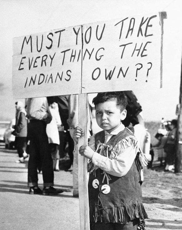 DEVEZ VOUS PRENDRE TOUT CE QUE LES INDIENS POSSEDENT????