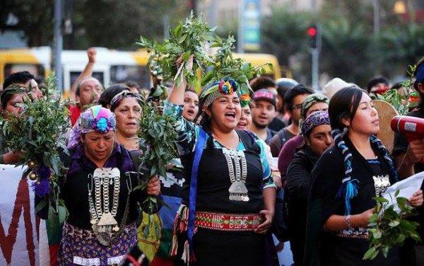 COMBAT DU PEUPLE MAPUCHE AU CHILI POUR GARDER SA CULTURE ET SON TERRITOIRE