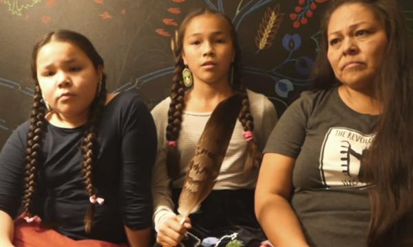 à 13 ans cette Amérindienne se bat pour l'eau potable