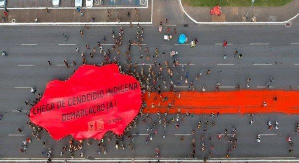 """""""STOP AU GÉNOCIDE DES PEUPLES AUTOCHTONES !"""""""
