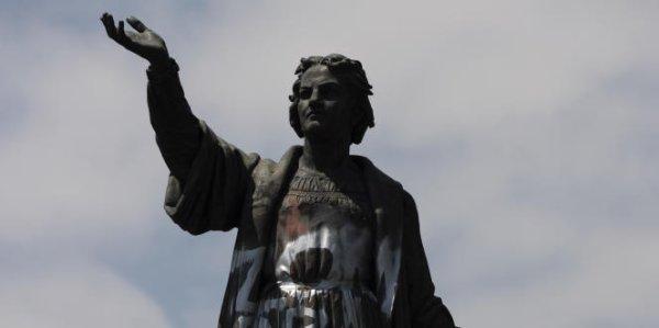 Une statue de Christophe Colomb au Mexique sera remplacée par celle d'une femme indigène