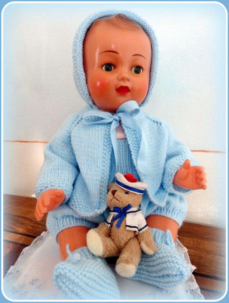 BB Michel s'est enfin décidé à quitter son ensemble d'été  pour une tenue bien de saison, offerte par une gentille amie !