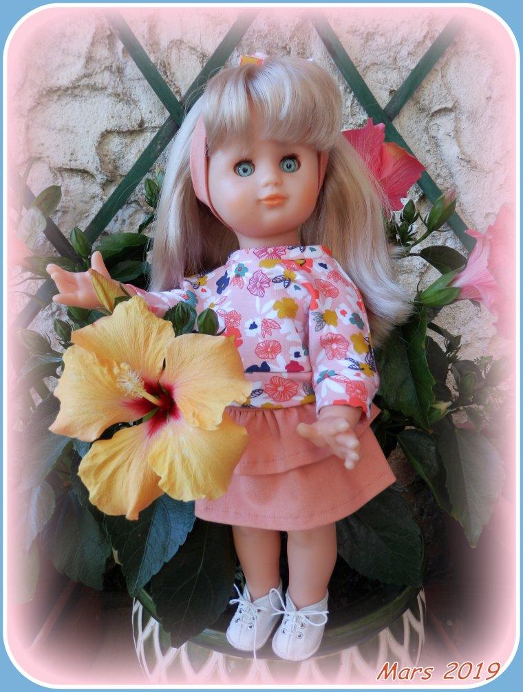 MARS 2019 Emilie se pavane dans le jardin !