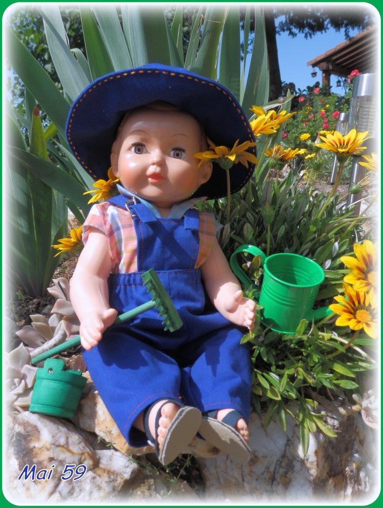 MAI 59 petit jardinier veille sur son domaine !