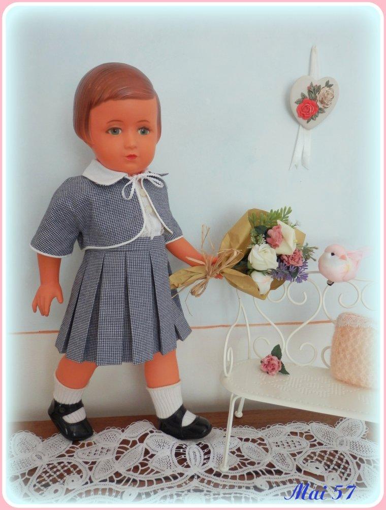 Françoise est vite allée chercher un bouquet pour sa Maman !