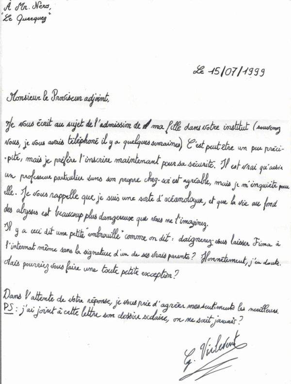 Une lettre d'admission, dans le bureau de Néron