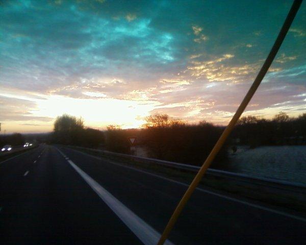 en route pour ma première inter se matin 8h45 petite photo de se lever de soleil