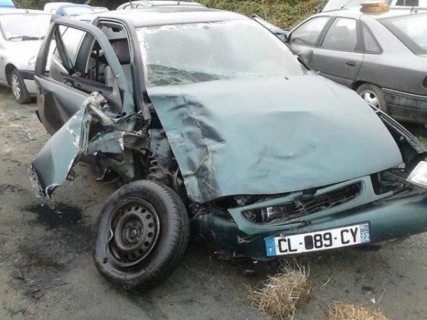 lundi 9 septembre 3h du matin , 2h a chercher cette voiture planter dans un champ en contrebas de la rn12 , il a pris un arbre en passant