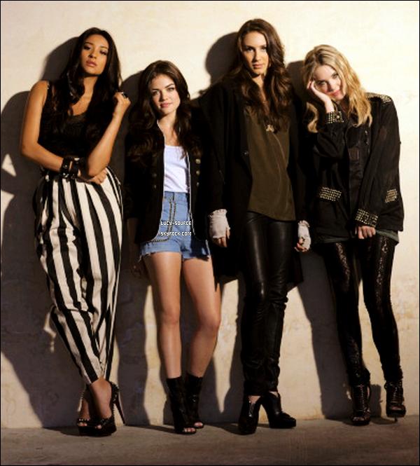 . nouvelle photo du photoshoot fait l'an dernier avec la distribution de Pretty Little Liars pour Nylon Magazine *
