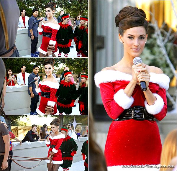 Stills officiels de l'épisode 11 de la saison 3.  Jessica super en mère noël.