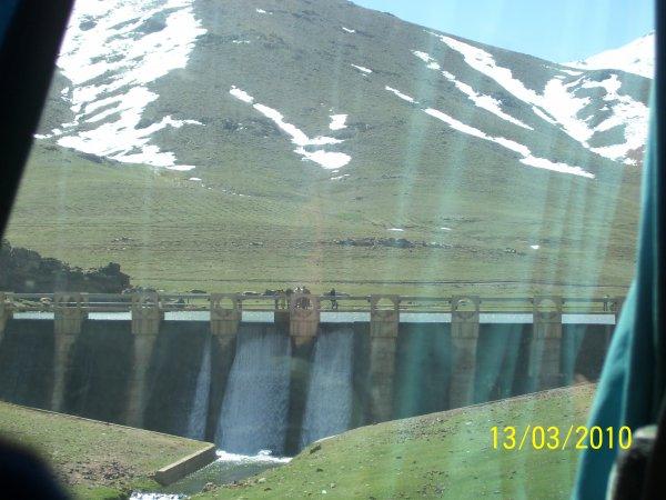 Barrage sur la route Okimdn