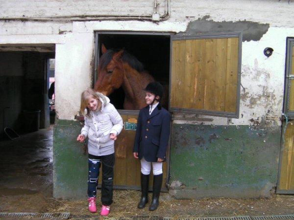 Moi Tendo mon pony préf d'amour (l) et Ma Besta Victoria