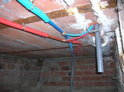 Ludo a install la plomberie dans le vide sanitaire ma for Eau dans vide sanitaire normal
