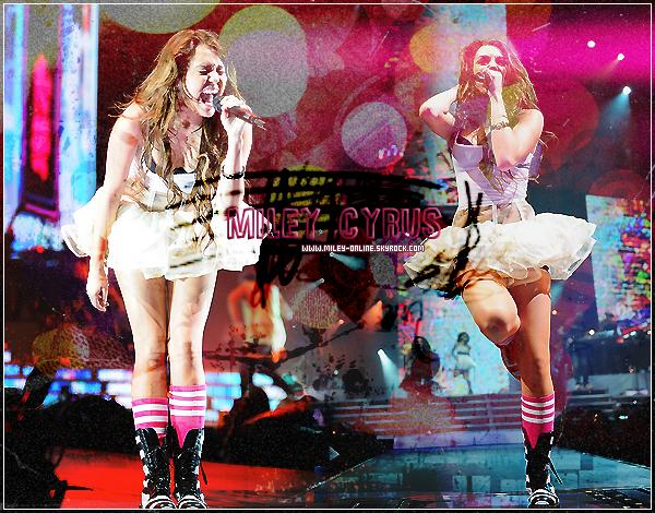 www.Miley-Online.skyrock.com ▬ Ta source pour suivre l'actu' de Brit.. euh non, Miley Cyrus ! Tu pourra suivre en intégralité la vie trépidente de Miley Cyrus depuis le fin de Hannah Montana.