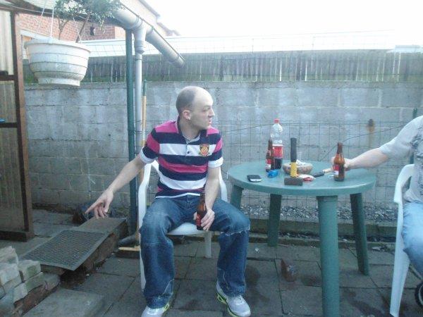 mon homme 2012  dans le jardin