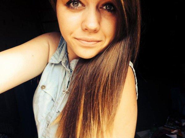 Océane , - 16 ans . ♥. << Situation amoureuse ; En attente d'un miracle . >> † .