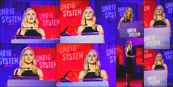 . 03.02.18 - Jennifer Lawrences'est rendue au « Unrig the System Summit » dans la New Orleans'' ▬ ''en Louisiane Cet évent convoque les esprits les plus brillants de la droite et de la gauche pour corriger la politique américaine. J'aime sa tenue, un top ! .
