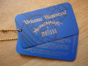 .。oOo。.。oOo。. Les Bizarreries de Yumi .。oOo。.。oOo。.  ☆ Chassures Melissa + Vivienne Westwood ☆