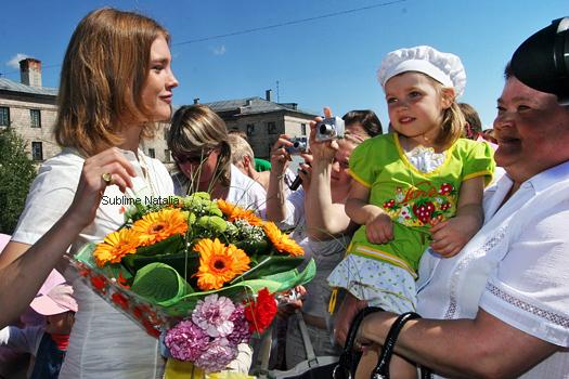 Glamour Russia, Novembre 2010