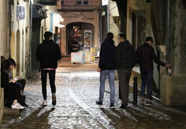 À Caen, bientôt de la peinture « anti-pipi » pour lutter contre les nuisances des soirées trop arrosées