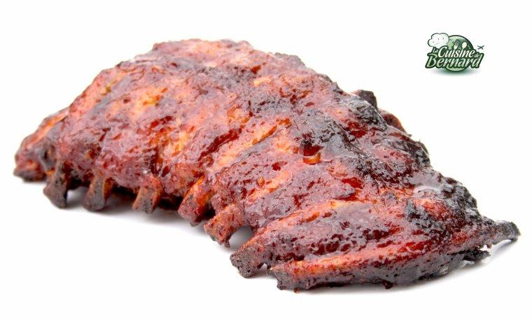 Travers de porc grillés à la sauce barbecue