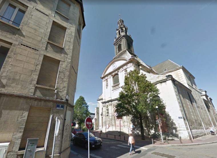 Un curé de Rouen s'est donné la mort dans son église : une messe célébrée en son honneur