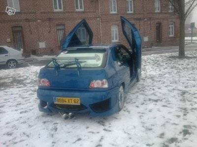 nouvelle voiture pour un des membres pour la saison 2011