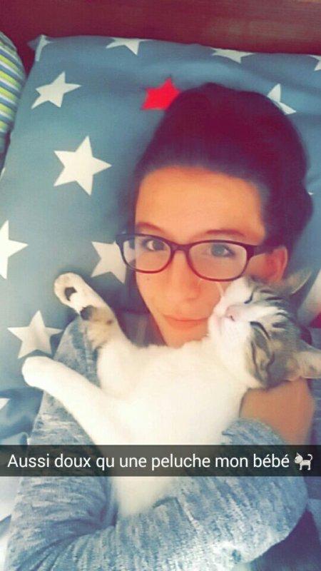 Voici mon bébé chat dont je suis folle amoureuse