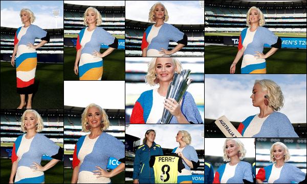 """● 07/03/2020 : Katy Perry était présente à la « ICC Women's T20 World Cup » à Melbourne en ▬ Australie ...  Il s'agit de la première apparition publique de Katy depuis l'annonce de sa grossesse dans son clip """"Never Worn White"""" !"""