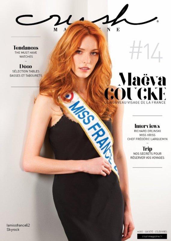 Magnifique photo de Maëva  dans le magazine  Crush ,  au Tour Auto