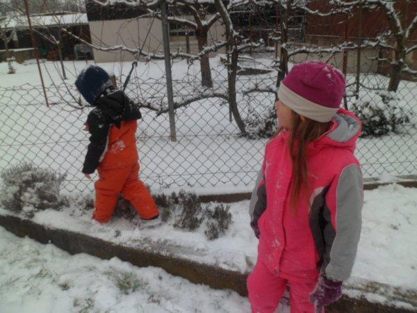 mes deux grand ma fille lola et mon fils mathias kan il avais encore la neige