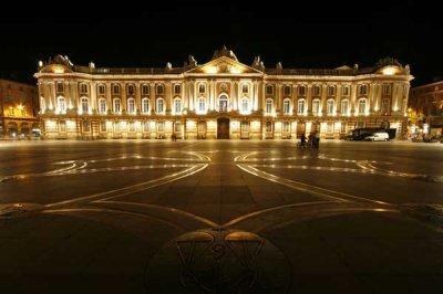 Le Capitole le symbole de cette magnifique ville qui est Toulouse ;)