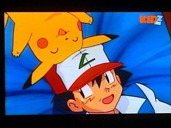 <3 sacha et pikachu <3