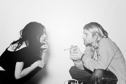 """"""" Je suis ce que je suis. Je vaux ce que je vaux. Mais qu'importe, je vais dire ce que j'ai à dire, je vais faire ce que j'ai à faire. Ce sera peut-être pas parfait mais ce sera !!!! """" Kurt Cobain"""
