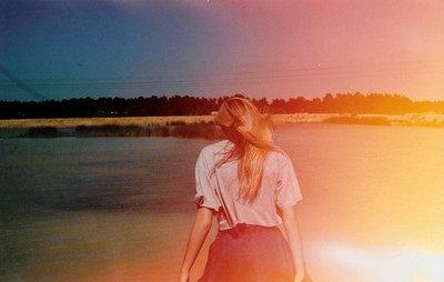 Marche, confiante, prends la direction de tes rêves et ne laisse personne t'en empêcher. N-D