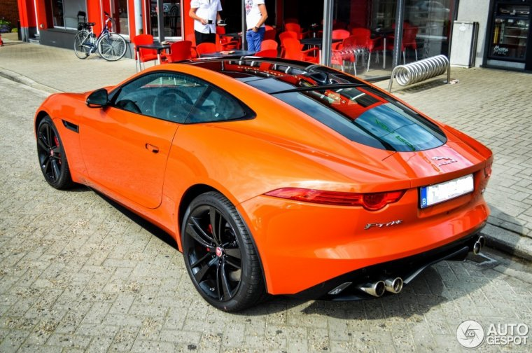 // JAGUAR F-TYPE R //